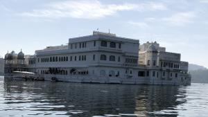lac palace